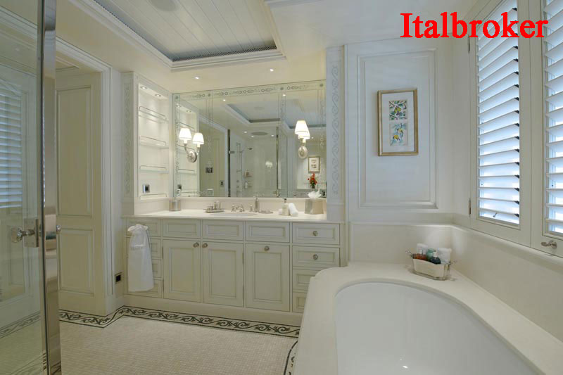 17-Owners-Bath-2