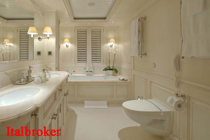 30-Guest-Bath-2